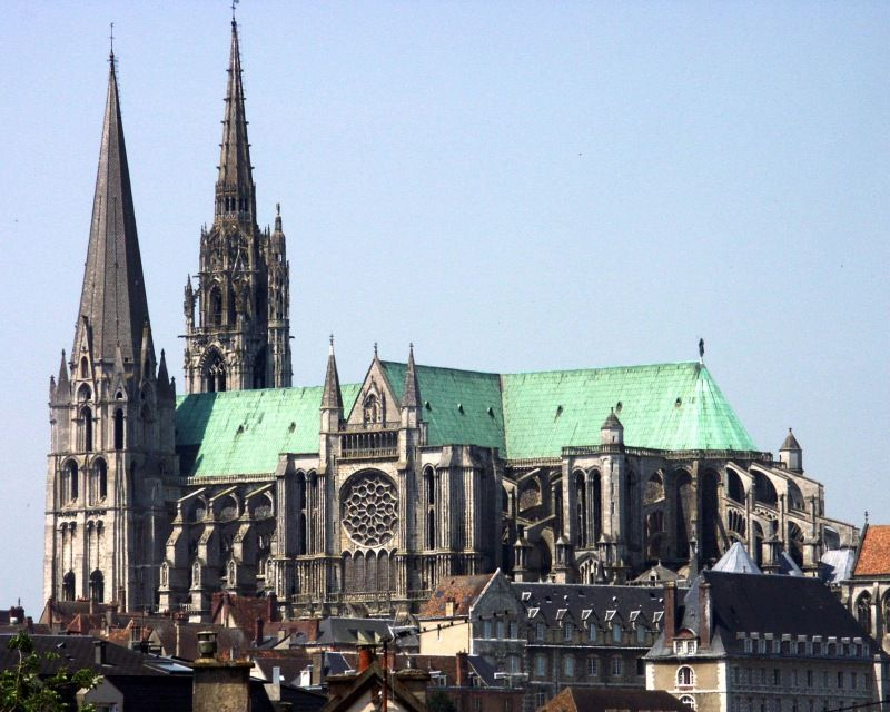 - Chartres
